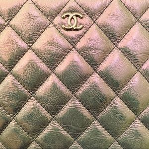Chanel Iridescent Clutch | SS19 | Made in Italy